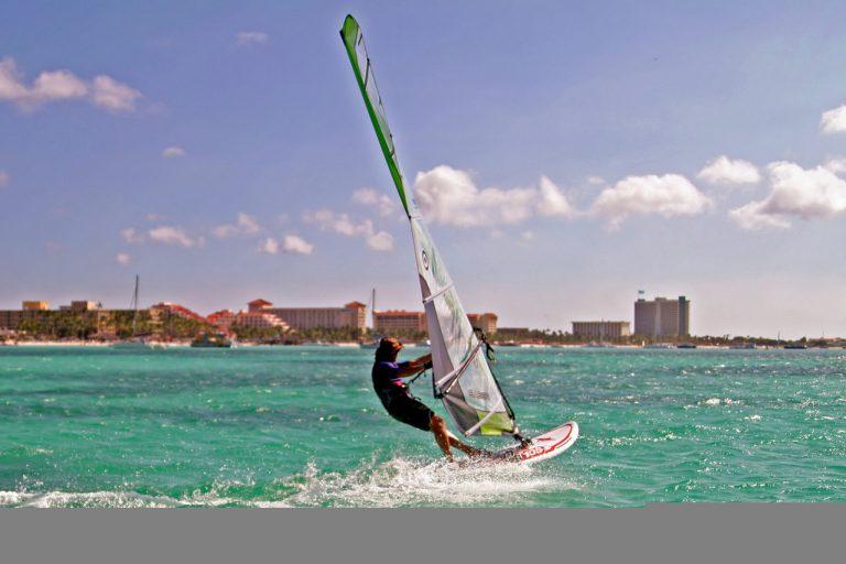 Zanim zaczniemy – warto zrobić kurs windsurfingu